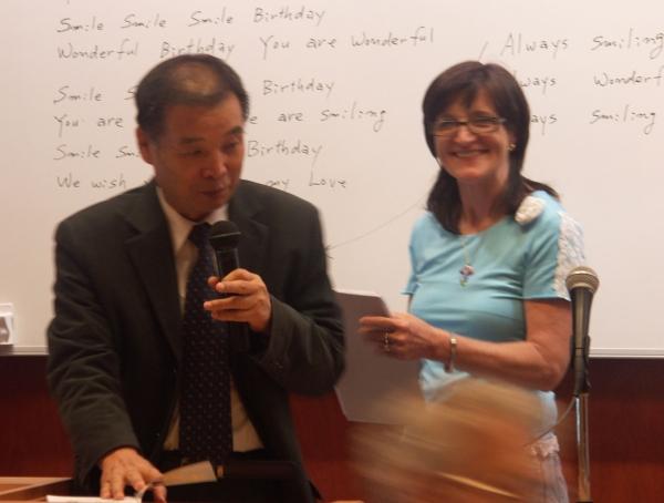 Professor Dr. Park Jae Woo und Heilpraktikerin Anna Velisek